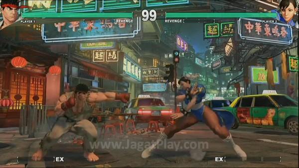 Bar Revenge di bawah nama karakter. Ryu dan Chun-Li juga terlihat punya jumlah bar EX yang berbeda.