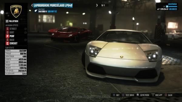 Mobil yang dibeli memiliki spesifikasi terbatas, terutama untuk mobil mahal.