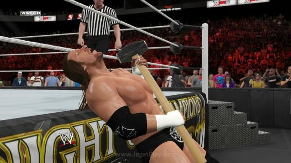 Dan pertempuran klasik antara Triple H dan Shawn Michaels.