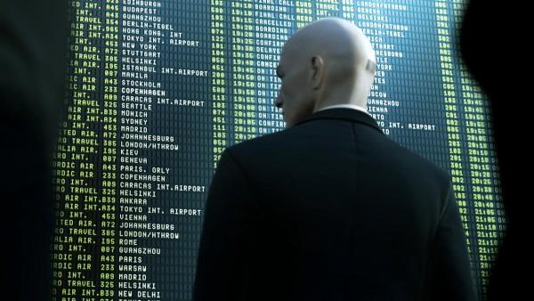 Square Enix memastikan bahwa Hitman bukanlah sebuah game always-online. Persyaratan mutlak untuk koneksi internet hanya akan ada di masa beta saja.