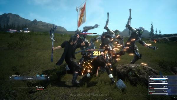 Tidak lagi terjadi secara otomatis, sistem pertukaran senjata di dalam kombo serangan kini akan diserahkan sepenuhnya ke tangan gamer lewat d-pad sebagai perintah.