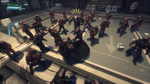 Mengapa berusaha memperbaiki sesuatu yang tidak rusak? Arkham Knight mengusung esensi gameplay yang serupa dengan dua seri Arkham sebelumnya.