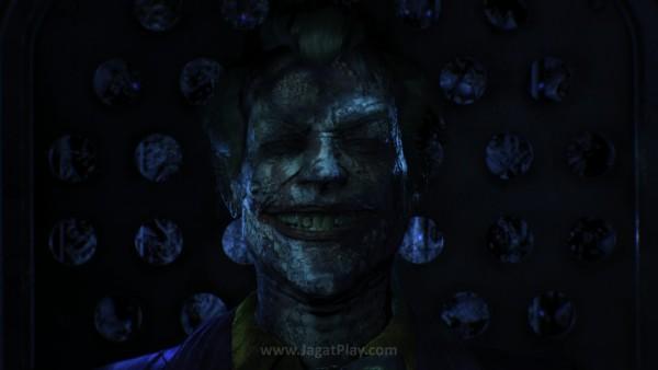 Batman Arkham: Knight diposisikan sebagai kelanjutan dari Seri Arkham City - dimana musuh utama Batman, Joker akhirnya meregang nyawa.