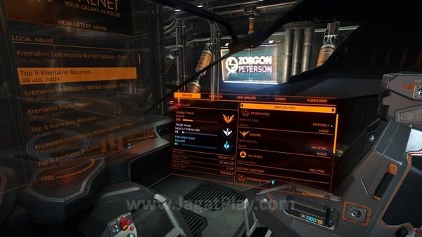 Informasi seputar kondisi di dalam dan luar kapal terpampang di panel kokpit