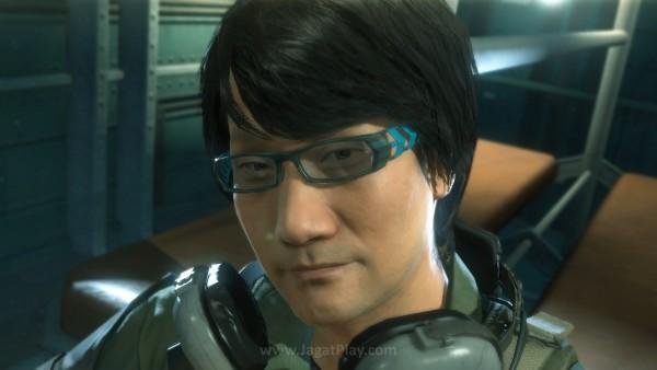 Dalam wawancara terbarunya, Moore dari EA merasa bahwa Konami dan Kojima seharusnya berbaikan untuk kepentingan banyak orang.