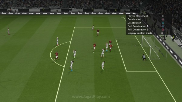 Seperti yang sudah diterapkan FIFA, Anda kini juga bisa memilih gaya selebrasi setiap kali mencetak gol.