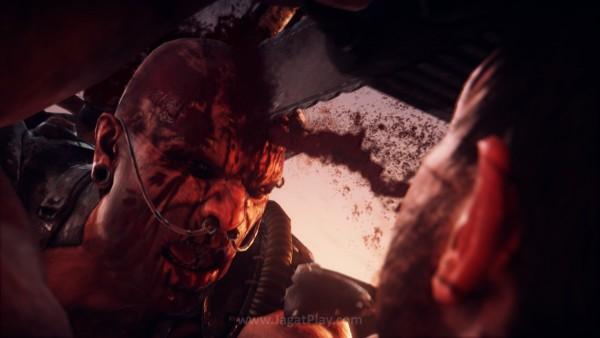Namun di tengah pertarungan sengit untuk mempertahankan resource-nya tersebut,  Max berhasil mencederai Scrotus.