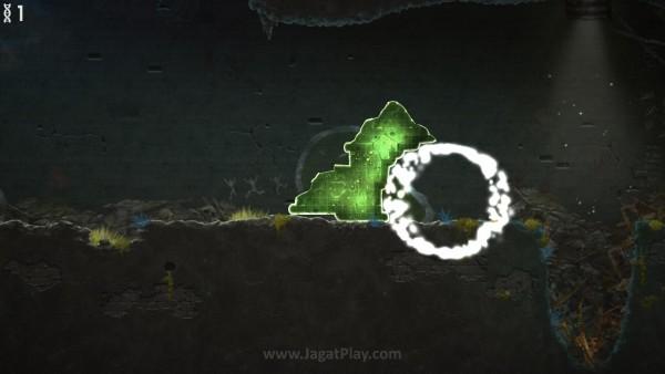 Gumpalan jamur berwarna hijau inilah yang jadi fokus utama Mushroom 11.