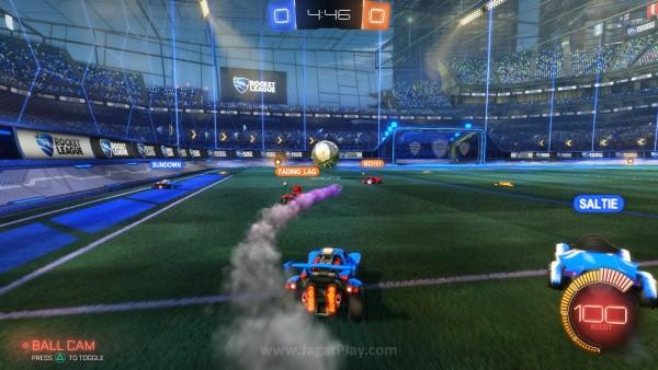 Dalam format standar 3 vs 3, selayaknya game sepakbola biasa, misi utama Anda adalah menyarangkan bola ke gawang lawan.