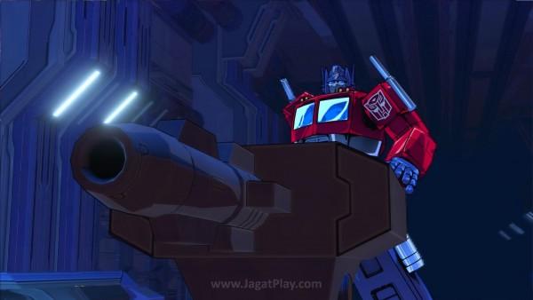 Satu-satunya momen serangan range yang cukup ditoleransi adalah ketika Optimus mengeluarkan pen.. ehm.. senjatanya yang besar..