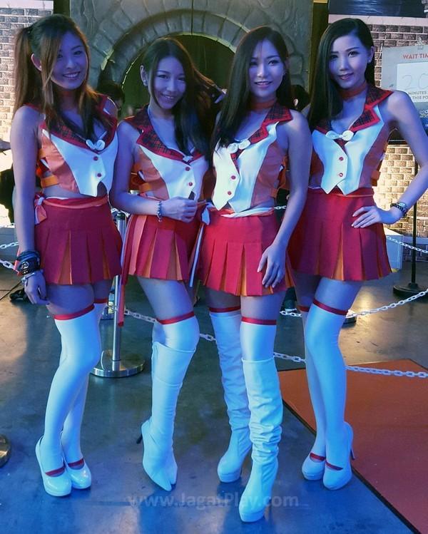 Gamestart 2015 booth babes cosplay (1)