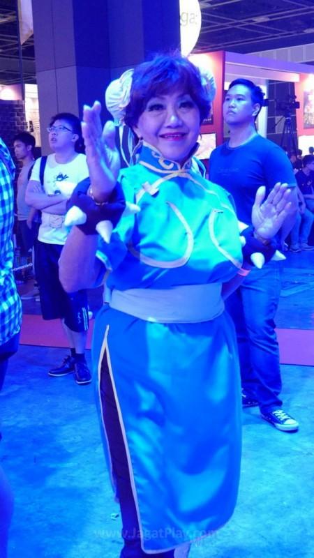 Gamestart 2015 booth babes cosplay (18)