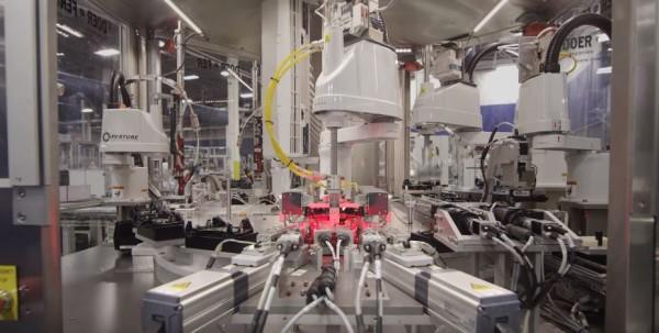 Lewat video terbaru yang mereka rilis, Valve memperlihatkan proses pembuatan Steam Controller.