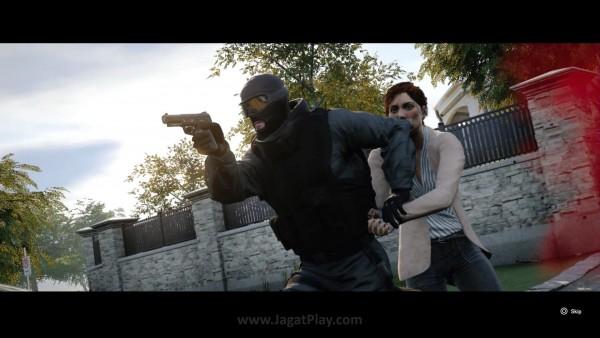 Ada dua mode single player non-campaign di dalamnya. Situations yang berfungsi tak ubahnya mode tutorial dan Terrorist Hunt yang menyerupai Skirmish.