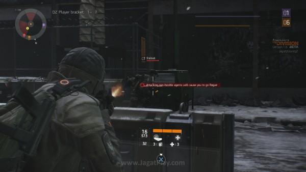 Hati-hati mengarahkan moncong senjata Anda. Salah tembak satu peluru saja ke user lain, Anda akan berakhir jadi Rogue seketika.
