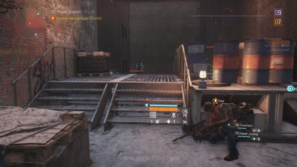 Terus membunuh user lain dan status Anda akan naik dari Rogue ke Manhunt. Garis besarnya? Anda baru saja jadi