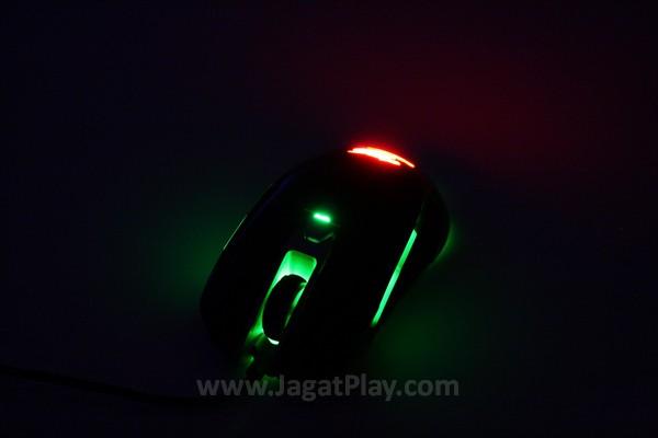 Warna cahaya dapat diatur untuk menyesuaikan dengan mode dan DPI yang digunakan