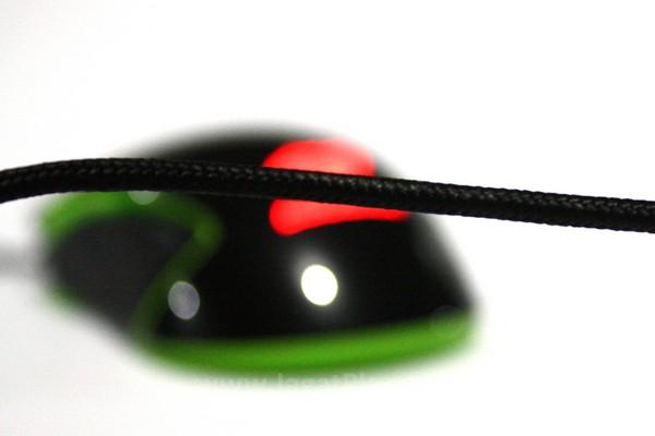 Kabel braided dengan panjang 1,8 meter selain kuat juga tidak mudah kusut