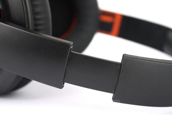Ekstension headband juga dibuat dari plastik