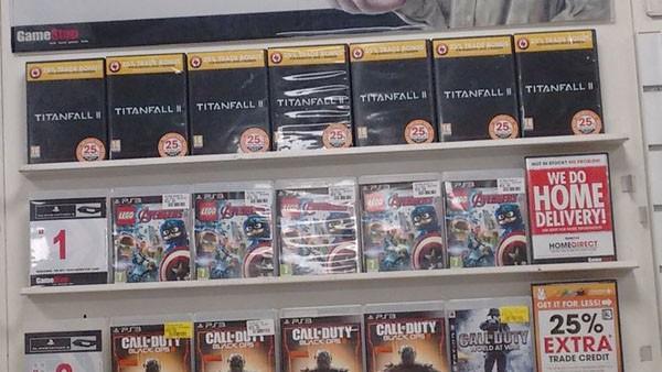 Box pre-order Titanfall 2 sudah terlihat jelas di retailer besar seperti GameStop, memperkuat sinyal Respawn akan mengumumkan game ini dalam waktu dekat.