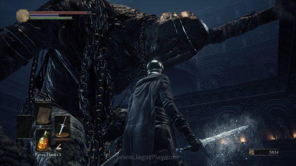 Kematian di Dark Souls menjadi sebuah candu karena hampir semua kematian terjad karena kesalahan Anda. Anda akan selalu merasa bahwa sebenarnya tak ada yang tak mungkin untuk ditundukkan di game ini selama Anda sabar dan punya komitmen.