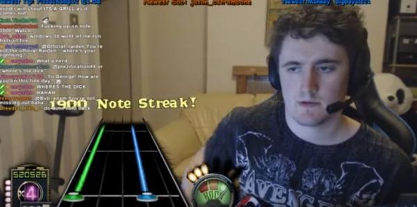 UKOGMonkey berhasil menyelesaikan lagu super sulit Guitar Hero dengan sempurna di kecepatan 125%. Pertama di dunia!