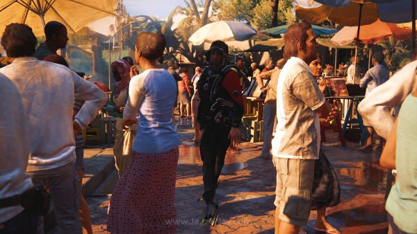 Anda juga bisa mengubah tampilan model karakter via mode ini. Nathan Drake dengan pakaian menyelam saat berjalan-jalan di pasar? KENAPA TIDAK?!