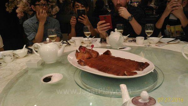 Restoran Seafood dengan Roasted Pork + lampu berkedip??!!