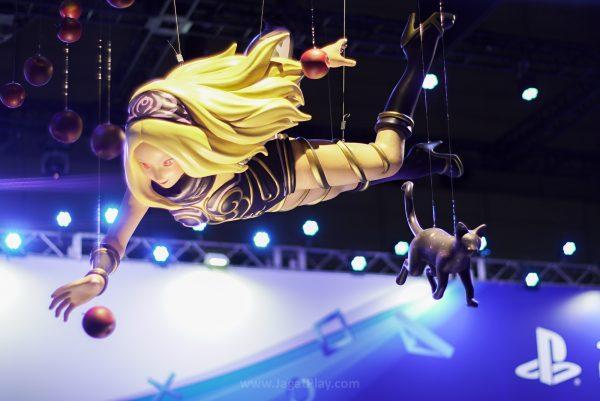 Kat , sang protagonis utama dari seri Gravity Rush