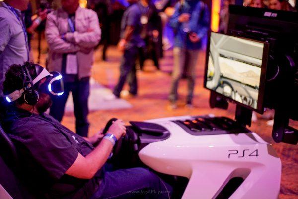 Tentu saja, ada opsi VR untuk menyajikan pengalaman yang lebih kaya rasa.