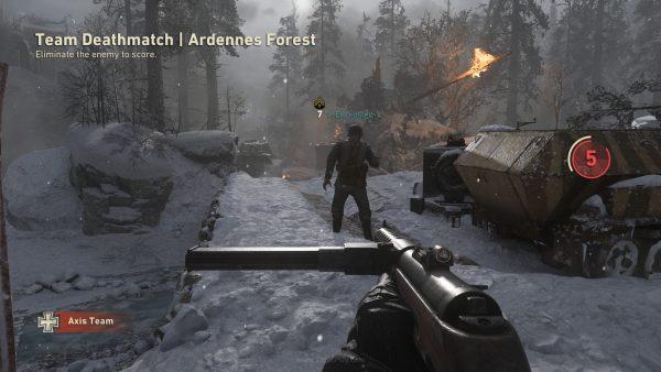 Sensasi perang dunia kedua yang dihadirkan lebih mengandalkan desain medan pertempuran dan presentasi audio, alih-alih gameplay.