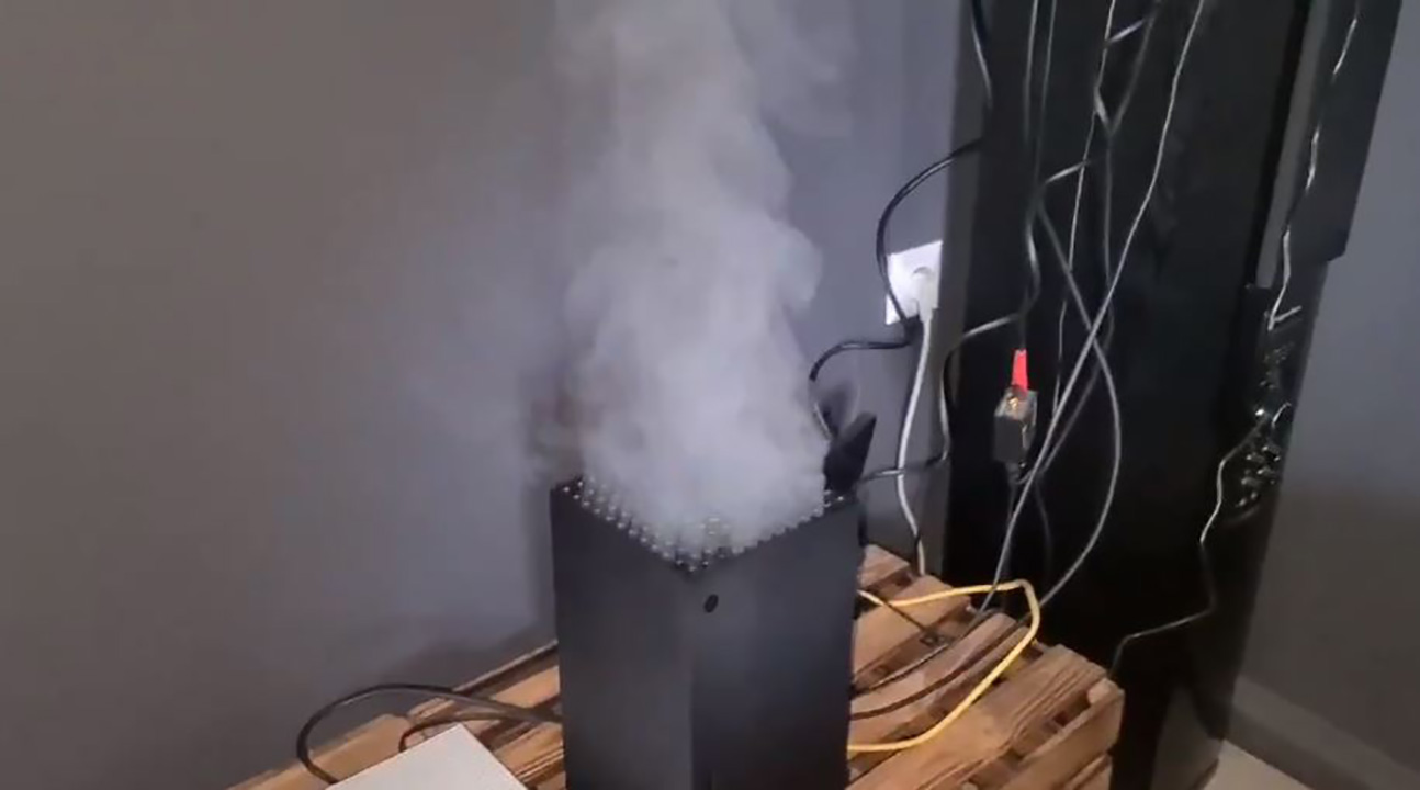 xbox series x smoke